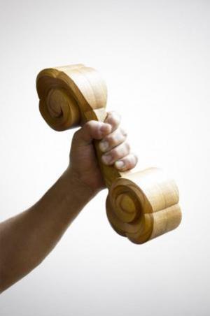 木彫りのダンベル